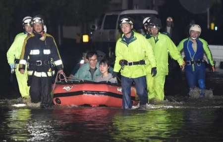 سیل هزاران نفر را در ژاپن بیخانمان کرد